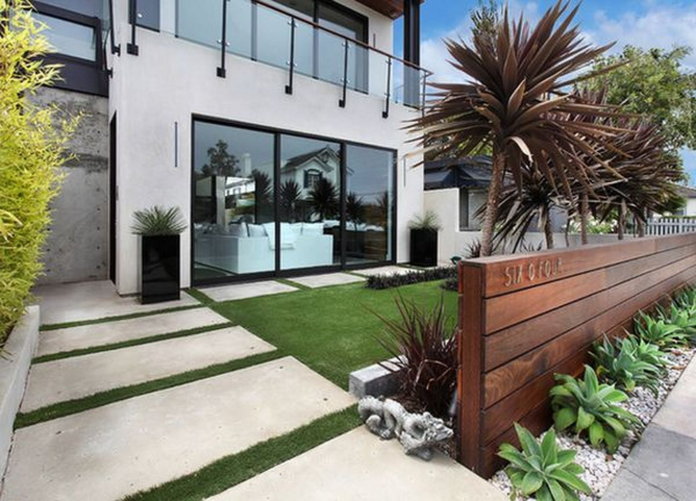 8 Beautiful Modern Front Yard Landscaping Ideas That ...